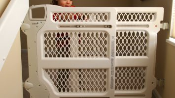 Researchers at Nationwide Children`s Hospital charted 21 years of data and found that the number of children treated in U.S. emergency rooms due to child safety gate-related injures has nearly quadrupled.  Experts say tension-mounted gates should only be used between rooms and at the bottom of staircases, and gates mounted to a wall, like the one shown, should always be used at the top of steps.
